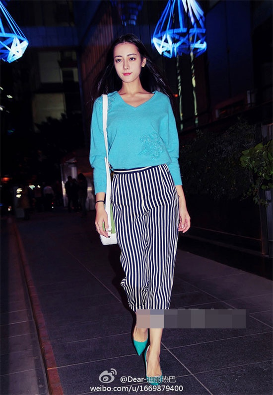 Street style an tuong cua Dich Le Nhiet Ba hinh anh 5