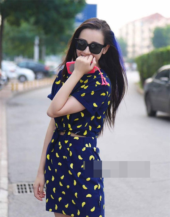 Street style an tuong cua Dich Le Nhiet Ba hinh anh 7