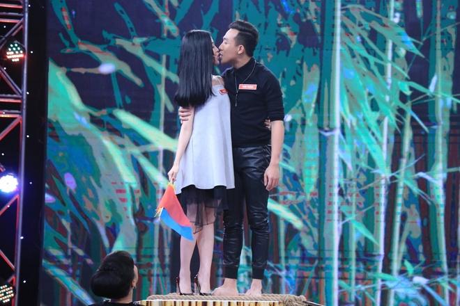 Tran Thanh thang ap dao Anh Duc o game show hinh anh 7