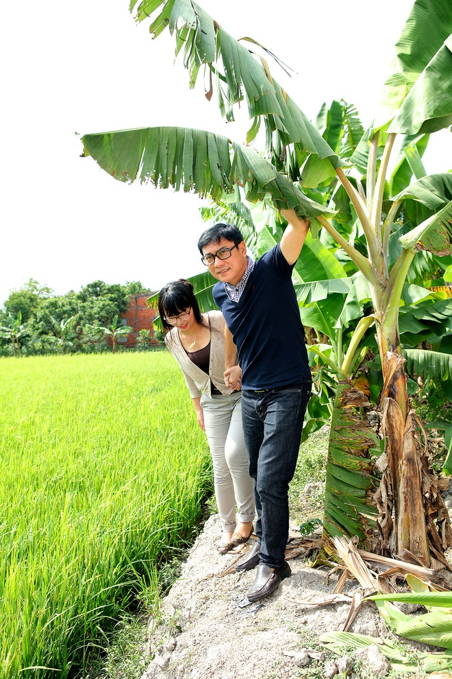 Hoang Phuc va vo xay nha cho nguoi ngheo an Tet hinh anh 1