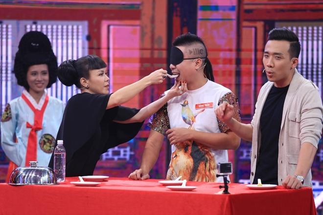 Tran Thanh ne phuc ban linh cua ong xa MC Ngoc Tien hinh anh 3