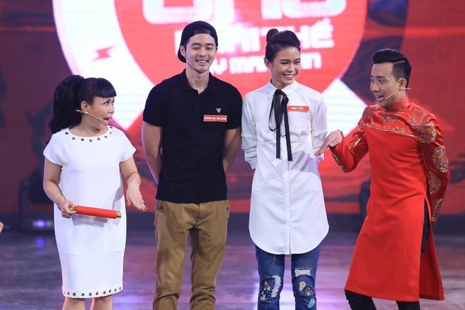 Tran Thanh lien tuc bi ho khi dan cung Viet Huong hinh anh 4
