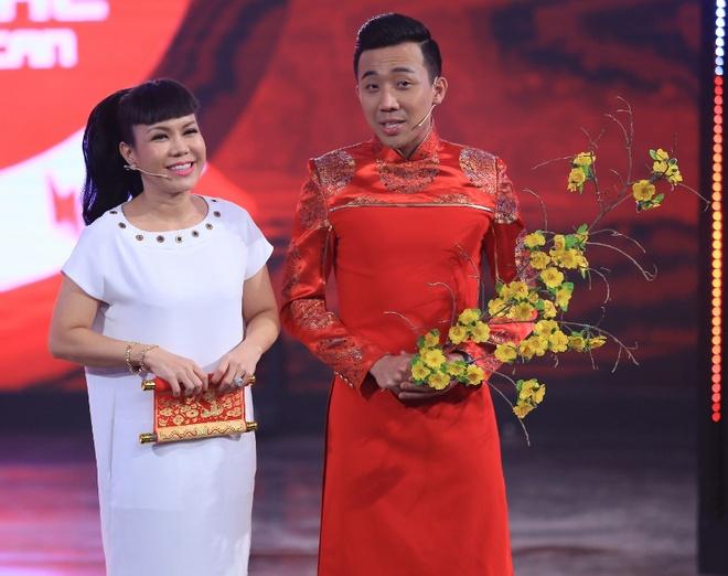 Tran Thanh lien tuc bi ho khi dan cung Viet Huong hinh anh 1