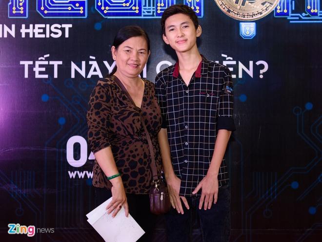 Johnny Tri Nguyen den du ra mat phim cua ban gai hinh anh 9