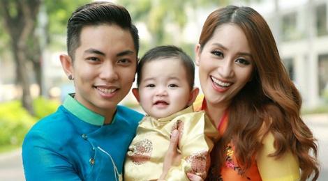 Con trai Khanh Thi - Phan Hien chup anh xuan cung bo me hinh anh