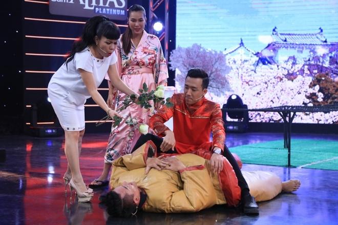 Tran Thanh che nguoi mau Le Trung Cuong luoi bieng hinh anh 10