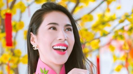 Album nhac xuan cua Thuy Tien dan dau BXH Zing hinh anh