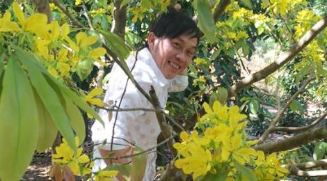 Hoai Linh xuat hanh, Tran Thanh tat bat mung 1 Tet hinh anh