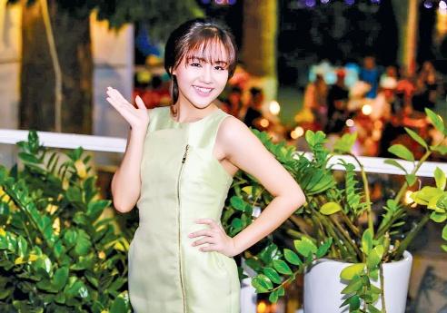 Van Mai Huong: 'Ban trai toi phai vung chai ve kinh te' hinh anh 1