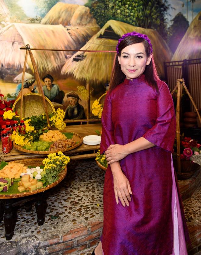Phi Nhung ru nghe si Thai Chau lap nhom thi hat hinh anh 1