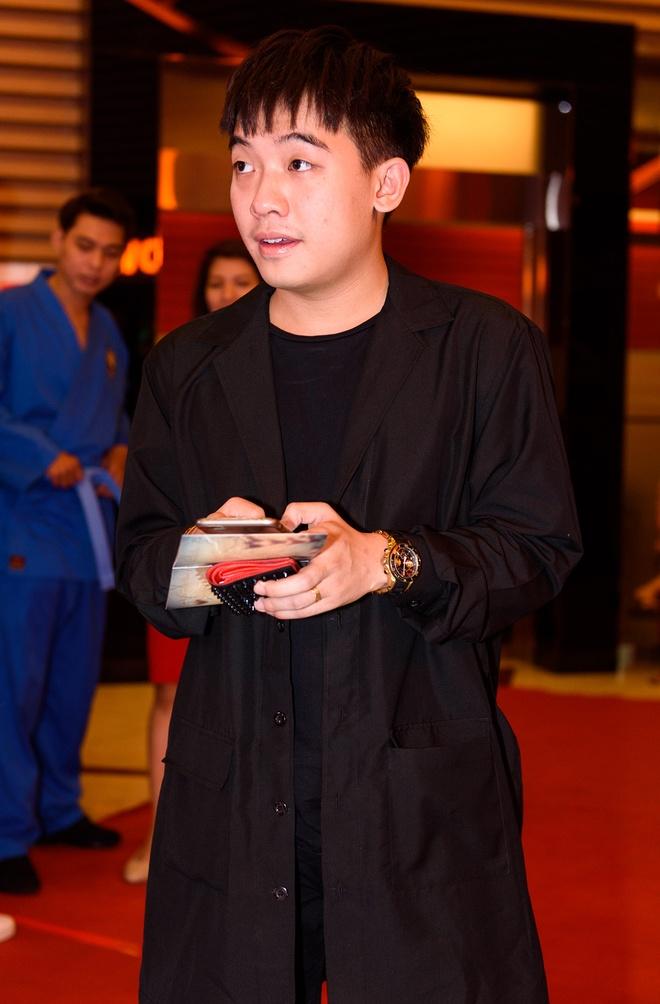 Kieu Trinh va con gai rang ro tren tham do ra mat phim hinh anh 10