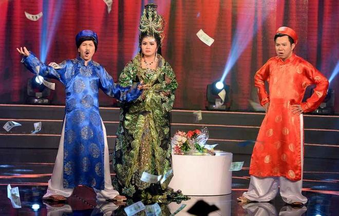 Thuy Muoi say ruou, sam so Tu Suong trong tieu pham hai hinh anh 3
