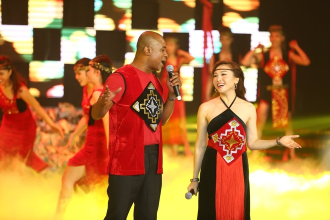 Hoai Linh khong muon the he sau ru con bang 'Vo nguoi ta' hinh anh 7