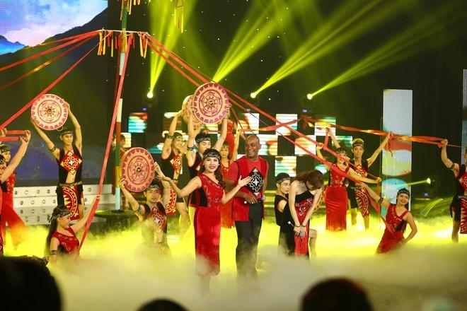 Hoai Linh khong muon the he sau ru con bang 'Vo nguoi ta' hinh anh 6