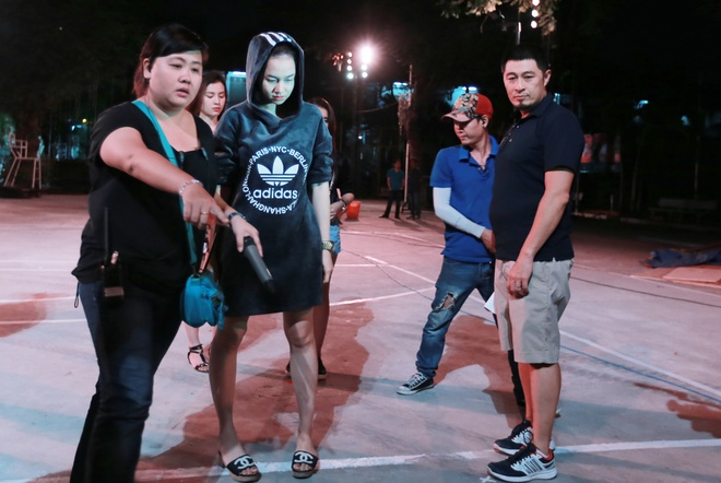 Dinh Ngoc Diep bi Charlie Nguyen hanh ha tren phim truong hinh anh 1