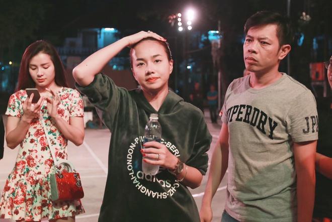 Dinh Ngoc Diep bi Charlie Nguyen hanh ha tren phim truong hinh anh 3