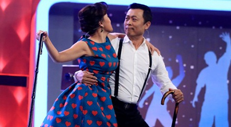 Hong Dao cuong hon Van Son trong Nguoi bi an hinh anh