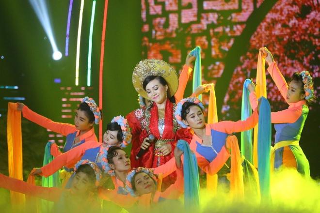 Van Quang Long hat lac giong nhung van nhan diem cao nhat hinh anh 8