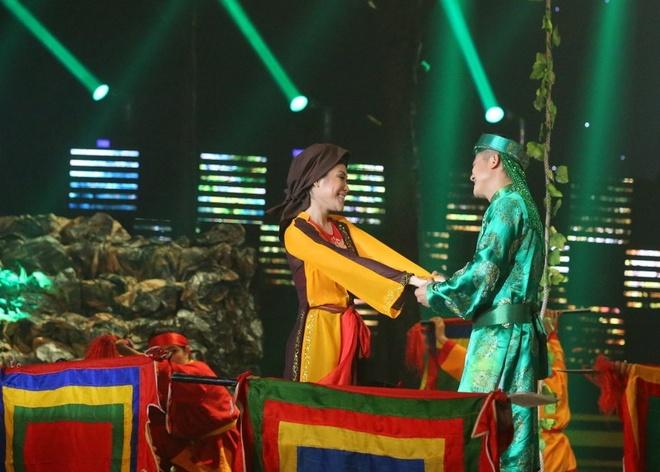 Van Quang Long hat lac giong nhung van nhan diem cao nhat hinh anh 2
