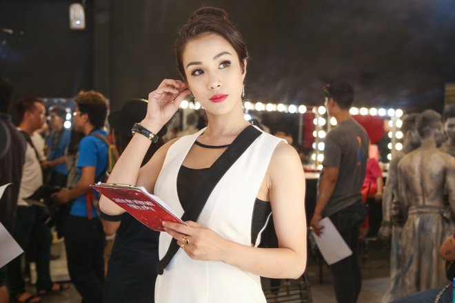 Trang Phap an voi truoc khi len san khau hinh anh 6