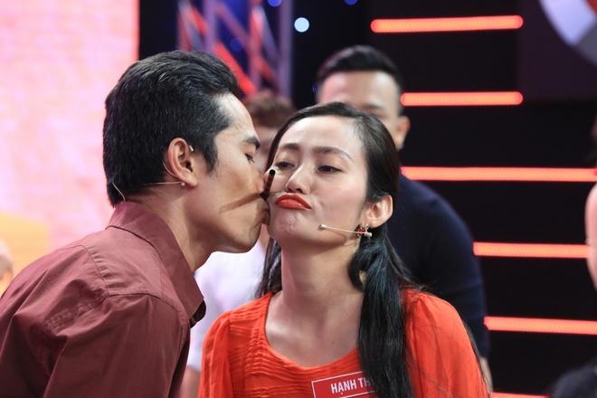 Viet Huong - Tran Thanh 'dan mat' nguoi choi game show hinh anh 2