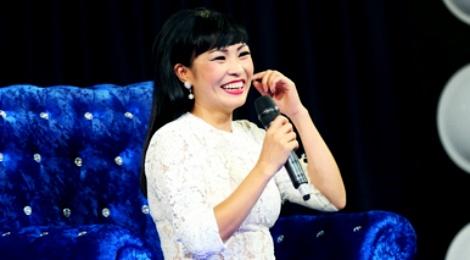 Phuong Thanh bi to 'mua chuoc' khi ngoi ghe nong hinh anh
