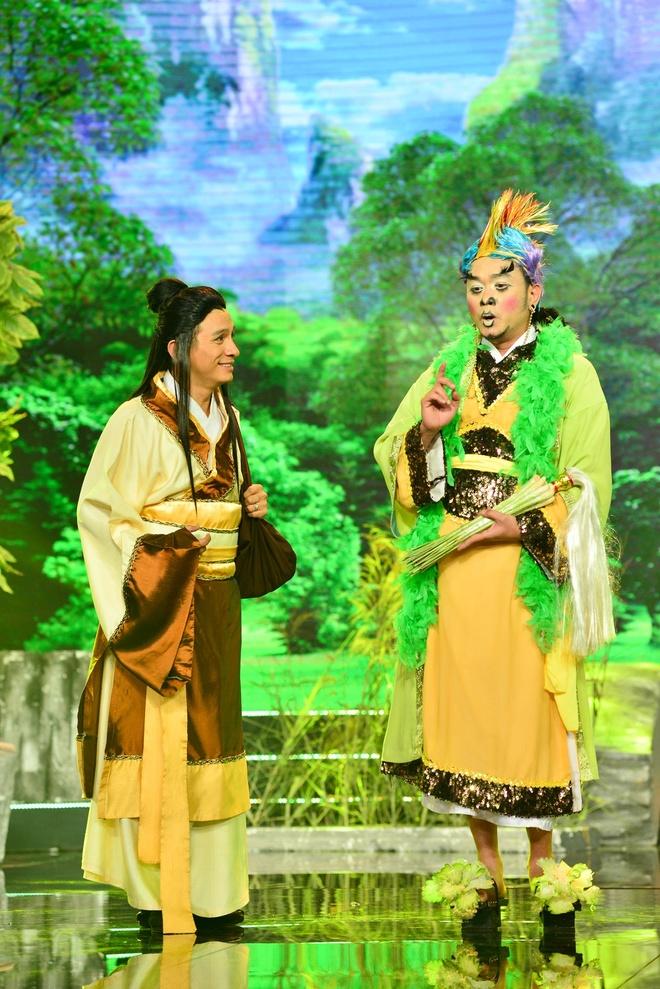 Thuy Nga cam dao ruot duoi Chi Tai trong tieu pham hai hinh anh 7