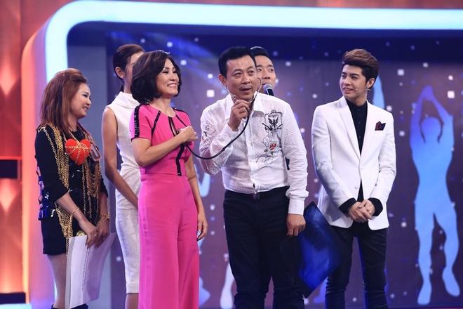 Tran Thanh, Noo Phuoc Thinh roi le vi chang trai doi xe may hinh anh 4