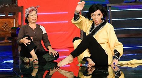 Thuy Nga - Thu Trang an chan tien tu thien trong tieu pham hinh anh