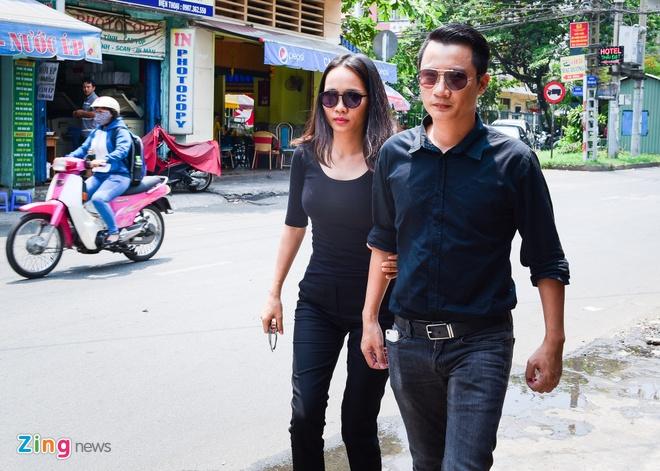 Con trai nhac si Nguyen Anh 9 tu My ve chiu tang cha hinh anh 8