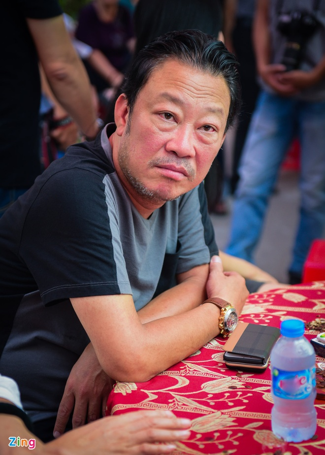 Con trai nhac si Nguyen Anh 9 tu My ve chiu tang cha hinh anh 7