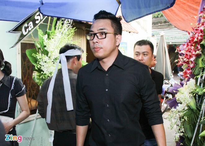 Con trai nhac si Nguyen Anh 9 tu My ve chiu tang cha hinh anh 10