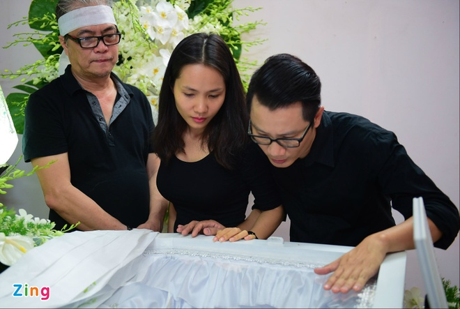 Con trai nhac si Nguyen Anh 9 tu My ve chiu tang cha hinh anh 9