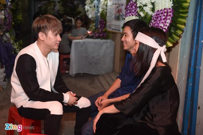 Quang Ha khoc khi hat nhac Nguyen Anh 9 anh 12