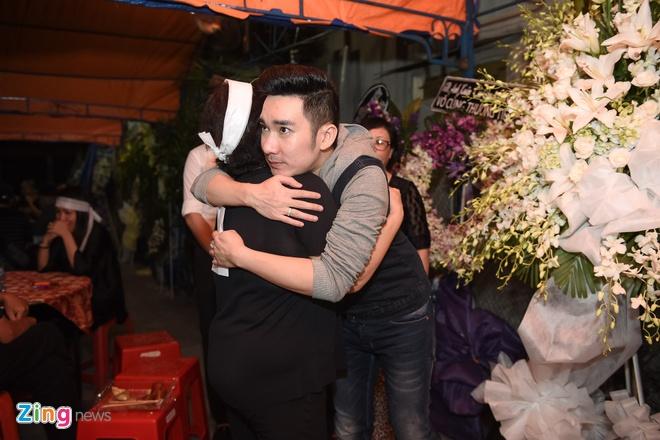 Quang Ha khoc khi hat nhac Nguyen Anh 9 anh 2