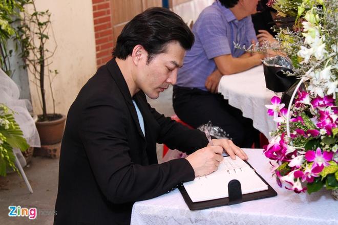 Quang Ha khoc khi hat nhac Nguyen Anh 9 anh 8