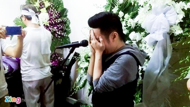 Quang Ha khoc khi hat nhac Nguyen Anh 9 anh 4