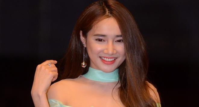 Nha Phuong gianh giai thuong de cam on Truong Giang hinh anh