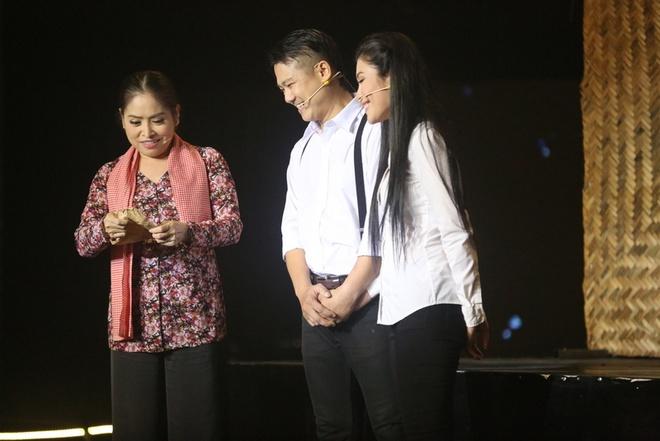 Hoai Linh bat khoc khi tam su nhung mat trai showbiz hinh anh 6