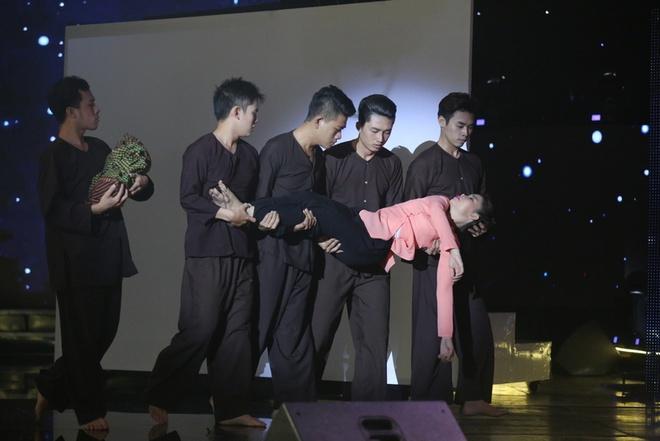 Hoai Linh bat khoc khi tam su nhung mat trai showbiz hinh anh 10