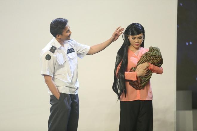 Hoai Linh bat khoc khi tam su nhung mat trai showbiz hinh anh 9