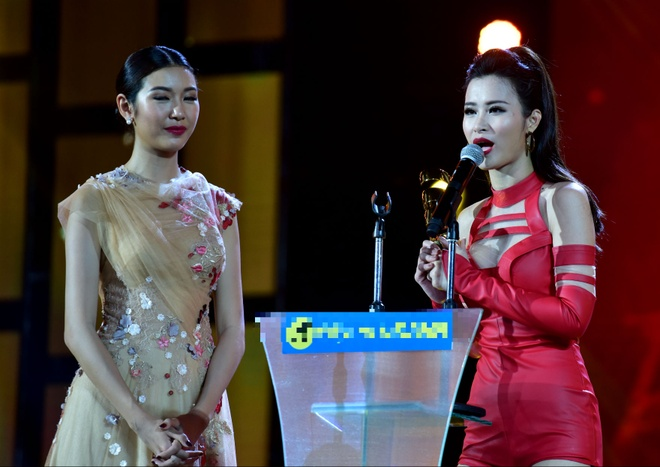 Tran Thanh nhan 2 giai thuong HTV Awards 2016 hinh anh 21