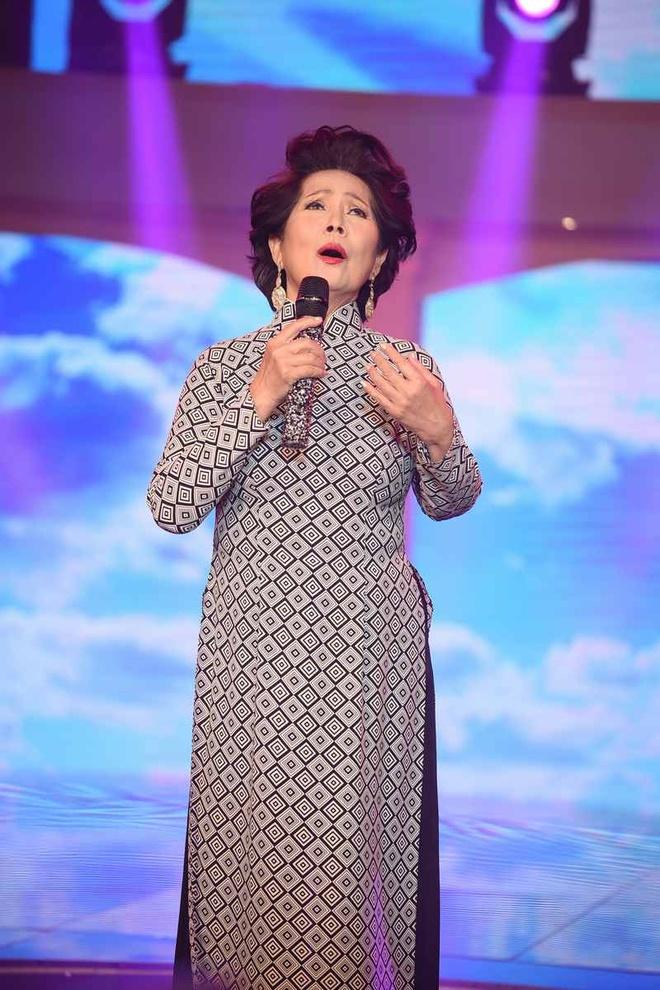 Bao Yen chung to dang cap voi nhac bolero hinh anh 4
