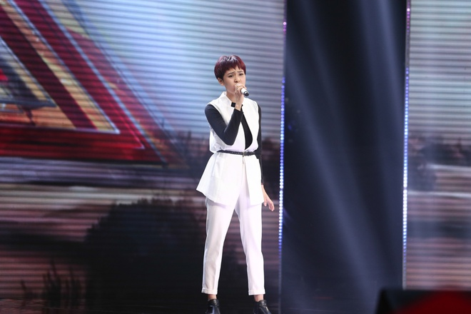 Nu sinh lop 11 lam nong X-Factor hinh anh 3