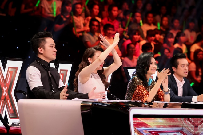 Nu sinh lop 11 tiep tuc lam chao dao giam khao X-Factor hinh anh 2