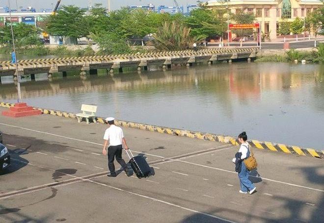 Bo Van hoa len tieng viec NSND Lan Huong khong di Truong Sa hinh anh 1