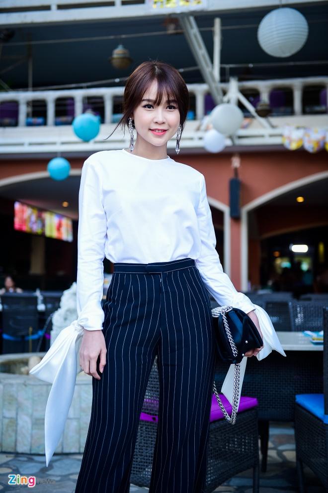 Truong Giang lai xe dua Nha Phuong du su kien hinh anh 10