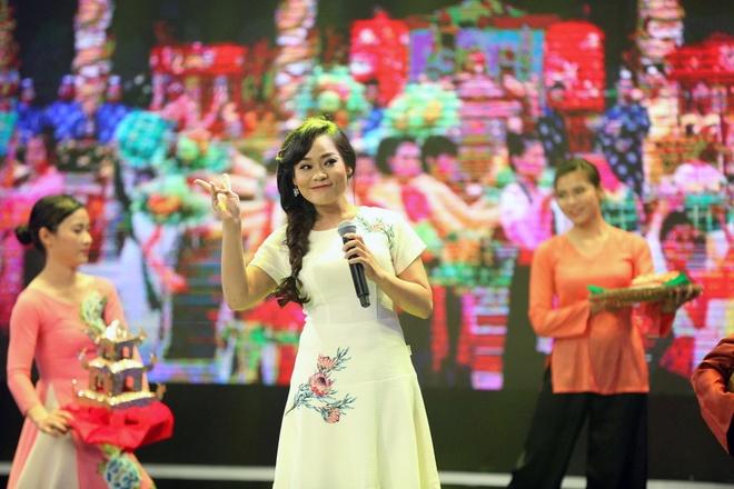 Ly Hung cong Viet Trinh quanh san khau vi thua cuoc hinh anh 5