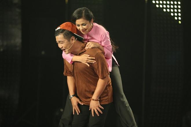 Ly Hung cong Viet Trinh quanh san khau vi thua cuoc hinh anh 3