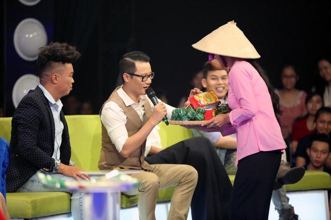 Ly Hung cong Viet Trinh quanh san khau vi thua cuoc hinh anh 1